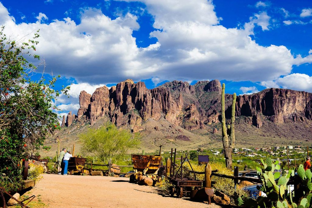 Apache Trail Tours from Phoenix - DETOURS